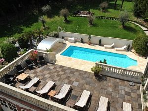 La Villa Eugene's outdoor swimming pool