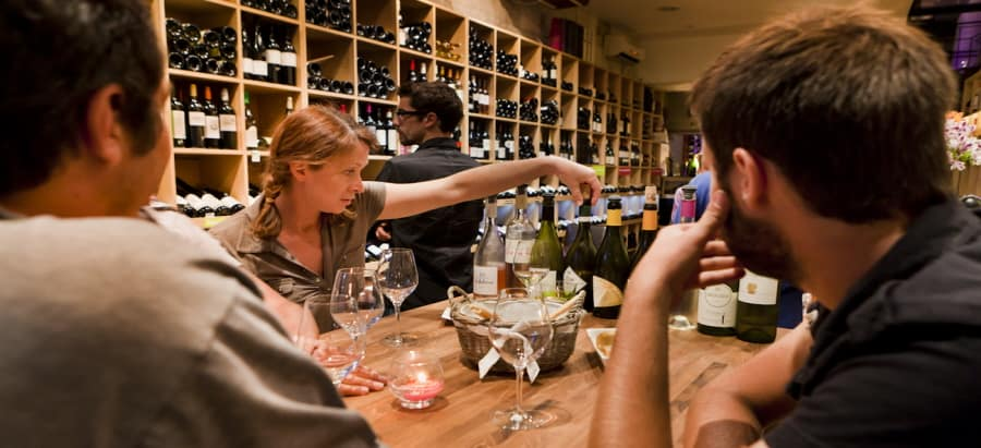Wine tasting France - tasting bar