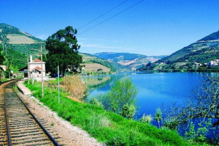 Douro railway Porto - Vinitur