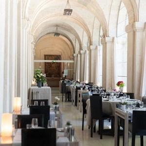 cloitre-saint-louis-restaurant