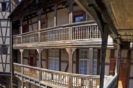 1-1-facade_cour-du-corbeau-giljean-klein_rvb_hd