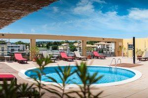 avignon-grand-hotel-piscine