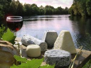 Group Wine Tasting- Credits C Lazi and CRT Centre Val de Loire