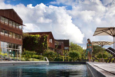 Le Saint James piscine credits Jerome Mondiere