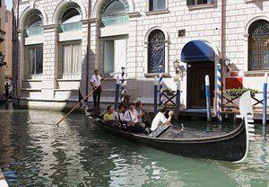 Hotel Bonvecchiati- Water Entrance