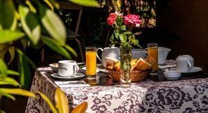 Les Amandiers breakfast