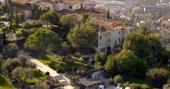 Luxury wine tours - credits Chateau Saint-Martin & Spa