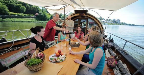 Loire Wine Tour - Credits JS Evrard Boat