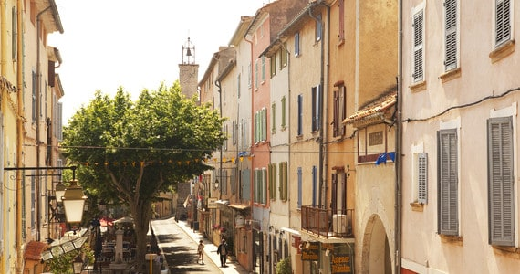 Bandol wine tour - credits Hostellerie Berard & Spa