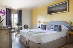 Chambres & Suites (1) Hotel et Spa du Castellet