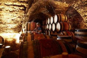 ambiance cave - Beaune Tourisme © J. Piffaut