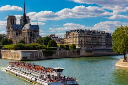 Copyright CDR Paris Ile de France Exclusive Paris and Champagne BATEAUX MOUCHES - Sightseeing boat - Notre Dame