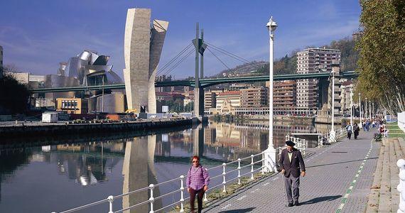 Bilbao-Bilbo-Paseo Campo de Volantin©Turespaña