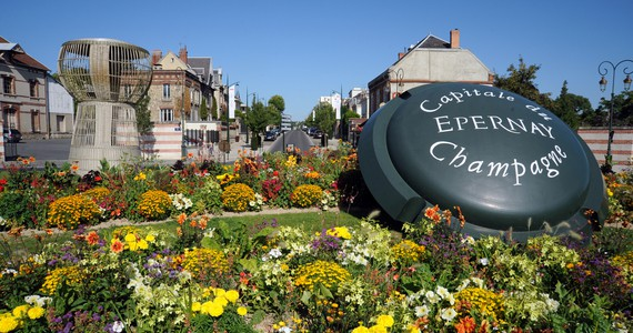 Champagne tasting in Epernay - Avenue de Champagne_©C. Manquillet
