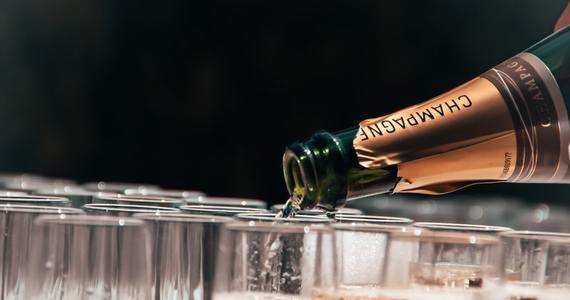 Champagne tasting in Epernay - Champagne Unsplash